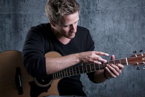 Что нужно знать об акустической гитаре