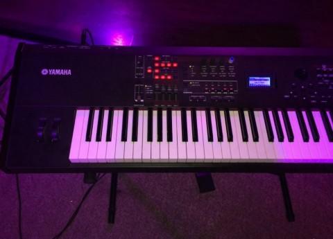 Синтезаторы Yamaha – обзор с примерами.