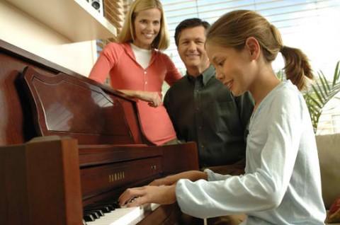 Досуг семьи – пианино