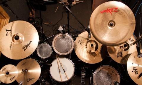 Лучшие тарелки для барабанов для начинающих – сколько следует на них потратить?
