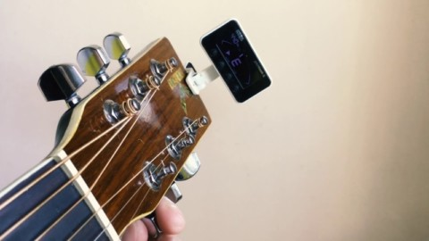 Как настроить гитару на полтона ниже